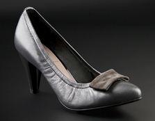 Женские туфли на каблуке от марки Chester